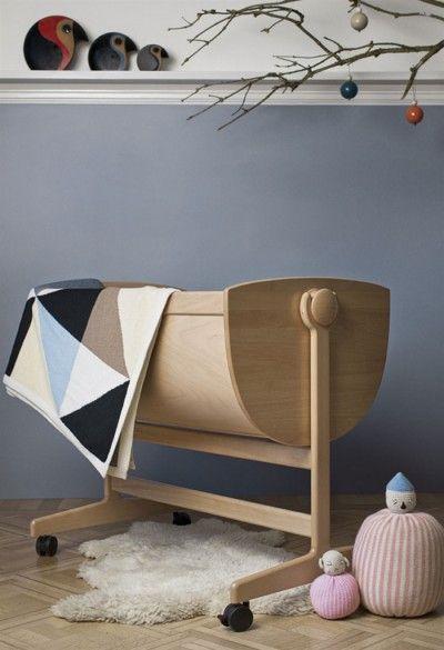 *modern children's rooms, wooden baby crib, minimal space* - Lulu Cradle Nanna Ditzel