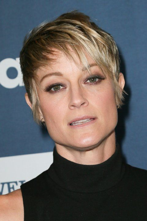 Teri Polo. (Theresa Elizabeth Polo, 1-6-1969, Dover).