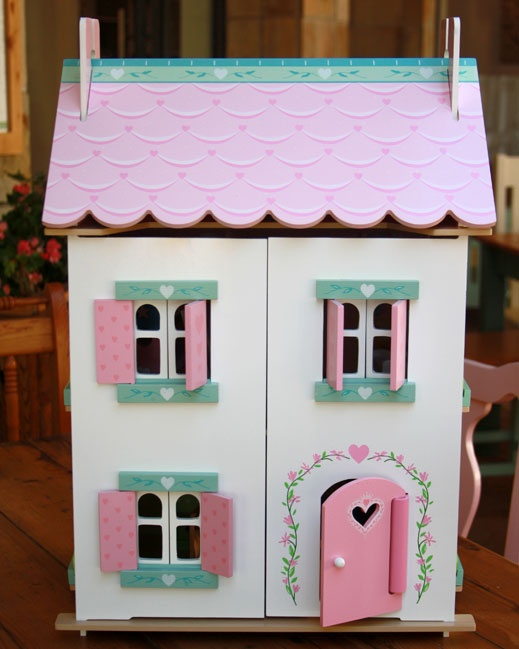 Sweetheart Cottage - This gorgeous house is fully painted and decorated