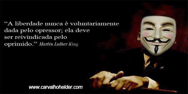"""""""Se não puder voar, corra. Se não puder correr ande. Se não puder andar, rasteje, mas continue em frente. De qualquer maneira."""" - Martin Luther King http://carvalhohelder.com"""