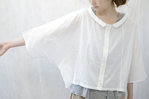 i'd like to try a tee this shape with pieced front, no buttons or collar
