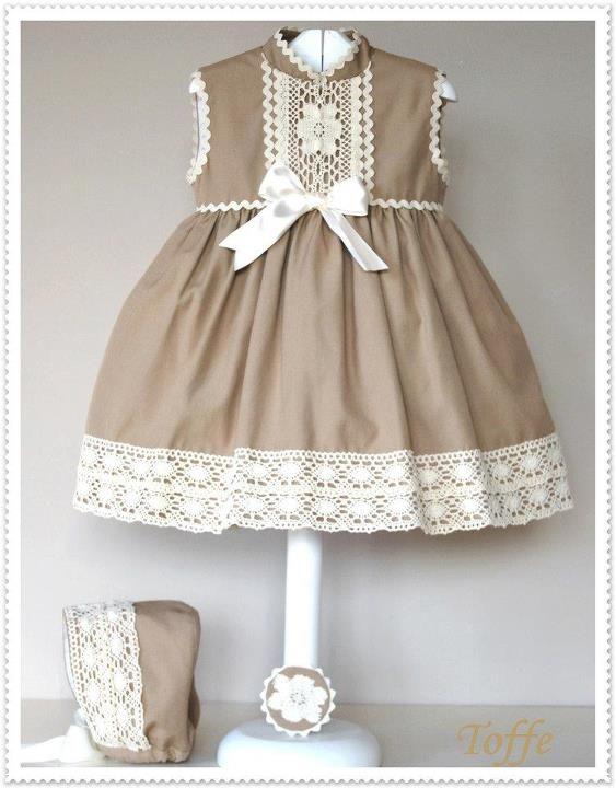 El armario de Inés. Girl dress. Camel.