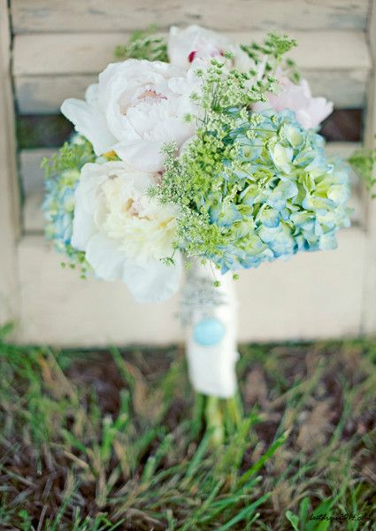wedding flowers - http://www.weddingflowersofamerica.com