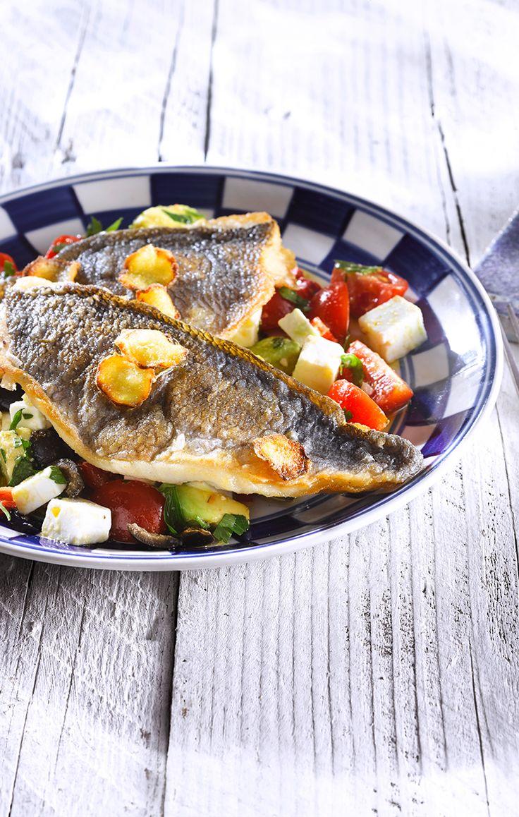 Doradenfilet mit Patros-Avocado-Salat  #patros #käse #feta #fetacheese #dorade #fisch #fish #avocado #salat #salad #rezept #recipe