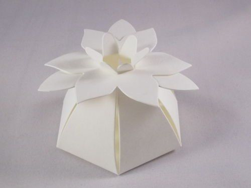 100 x Ivory Flower Top Wedding Favour Boxes: Amazon.co.uk: Kitchen & Home