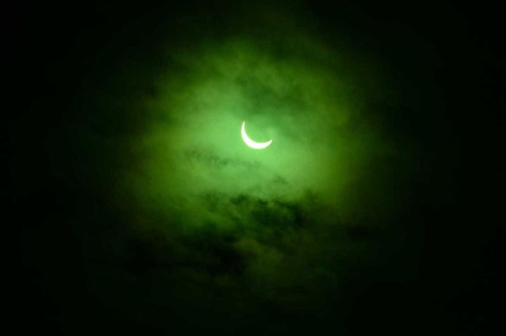 Spooky pictures of the solar eclipse seen from North Wales