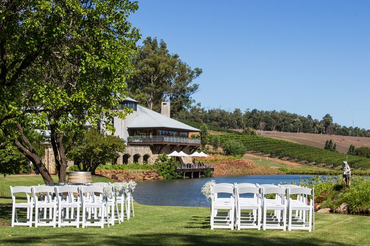 Weddings at Millbrook Winery | Photography - Michelle Dean