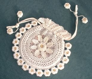 Free Irish Crochet Purse pattern. The site also includes free Picots Tutorial and patterns for afghans and bookmarks!