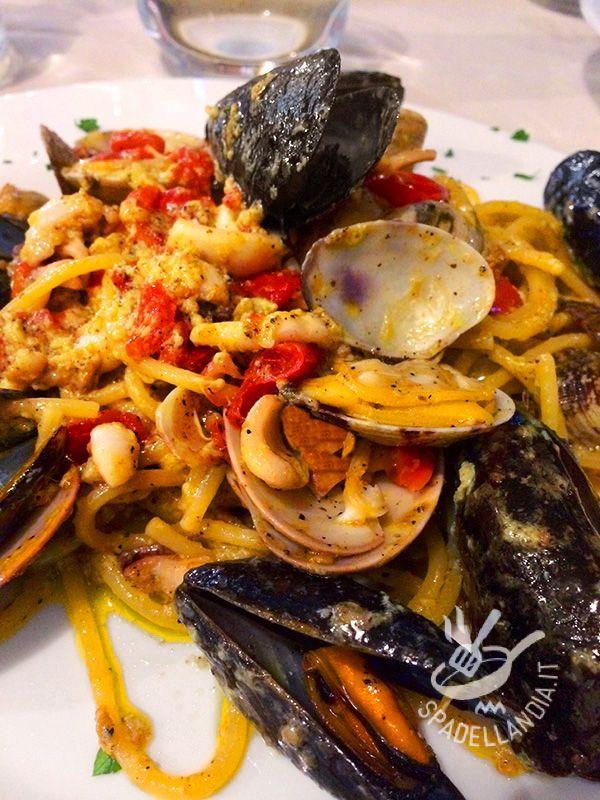 Gli Spaghetti alla carbonara di mare sono un tripudio di bontà. Procuratevi pesce freschissimo e otterrete un piatto da veri chef!