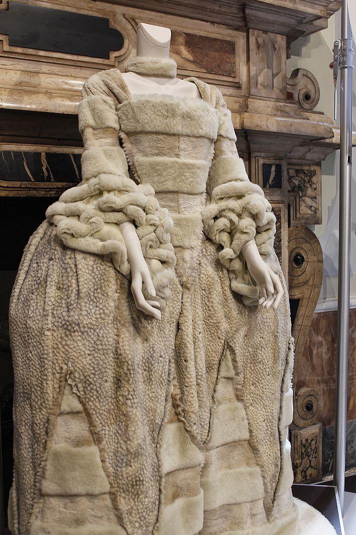 Karl Lagerfeld Cinderella dress for FENDI... and Autopole.