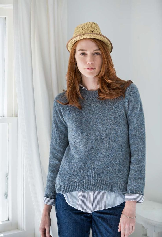 Пуловер Gable из Wool People 8 (Бруклин Твид). Пуловер, вязанный спицами из твида, с круглой кокеткой от дизайнера Hannah Fettig.