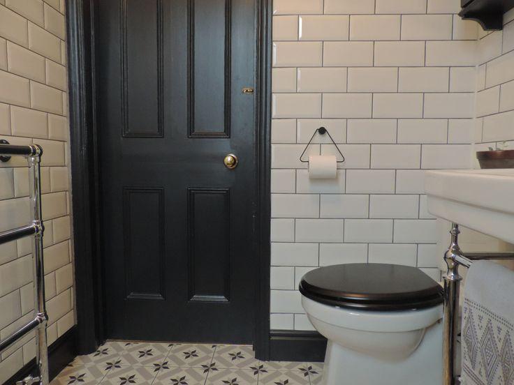 F&B railings on door & skirt | black toilet seat :)