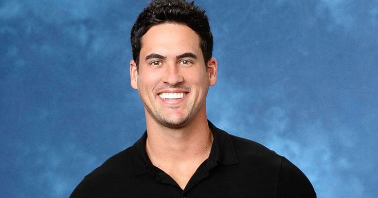 Watch The Bachelorette's Josh Murray Shade Nick Viall & Refuse To Talk About His Hookups  http://www.refinery29.com/2017/06/158523/josh-murray-shade-nick-viall-bachelor-hookups?utm_source=feed&utm_medium=rss