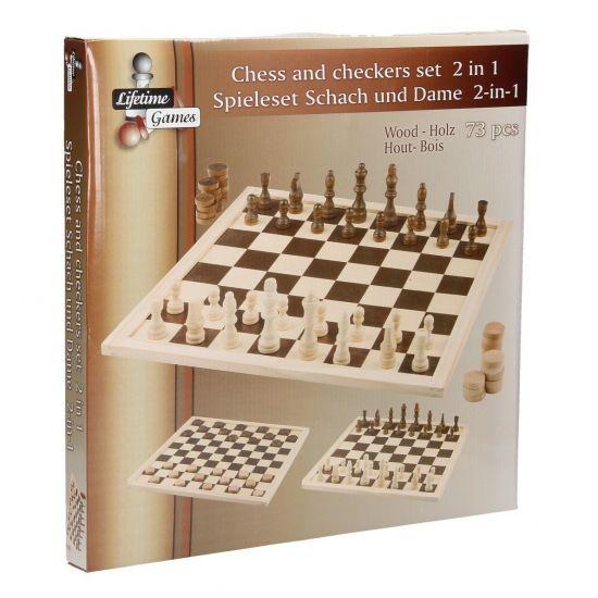 Schaak- en damset van hout. De set is inclusief damstenen, schaakstukken en een bord. Materiaal: hout. Afmeting: 40 x 40 cm.