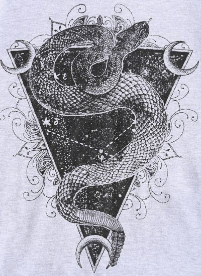 Нанесение на тело тату с изображением козерога, усиливает внутренние проявления человека.