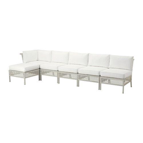 IKEA - KUNGSHOLMEN / KUNGSÖ, Hjørnesofa 2+3 fotskammel, utendørs, lys grå/hvit, , Ved å kombinere ulike sitteseksjoner, kan du bygge en sofa i en form og størrelse som passer perfekt til uteplassen din.Slitesterkt værbestandig og vedlikeholdsfritt, siden det er laget av plastrotting og aluminium.Seteputa gir god komfort, takket være fyllet av tykk høyelastiske polyeter.Trekket er enkelt å holde rent og friskt, siden du kan ta det av og vaske det i maskin.Fyllet holder seg beskyttet mot…