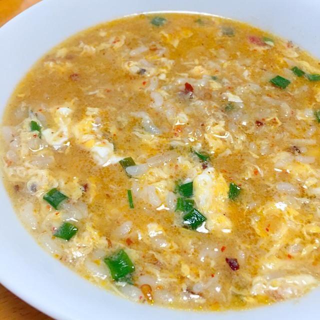 お昼は昨日の鍋スープの残りを使って雑炊に - 22件のもぐもぐ - ピリ辛玉子雑炊 by fighterscurry