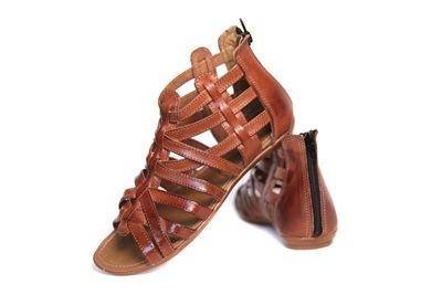 c6e0d9d0b0f1 Women s Huarache Sandals - Sandalia Chedron These Mexican Huarache Sandals  are the type of huaraches that you find the local