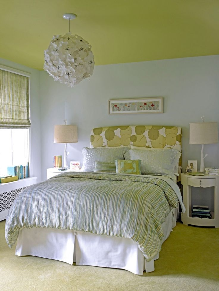 Schlafzimmer Wandfarbe Hellgrau Gruene Decke Teppichboden