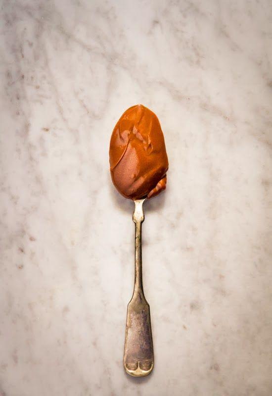 Receta 1043: Dulce de leche condensada estilo argentino » 1080 Fotos de las célebres 1080 Recetas de Cocina, de Simone Ortega.