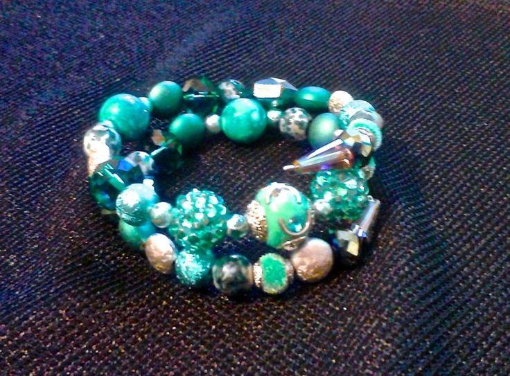 Multi-coloured blue stone bracelet. - Jewelry creation by charlottesarts