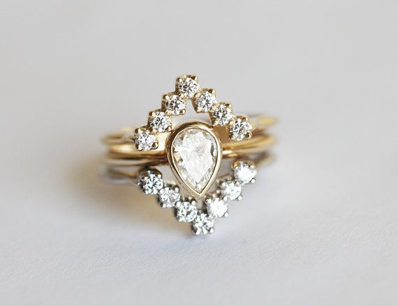 Hey, I found this really awesome Etsy listing at https://www.etsy.com/listing/240611203/diamond-ring-set-pear-diamond-engagement