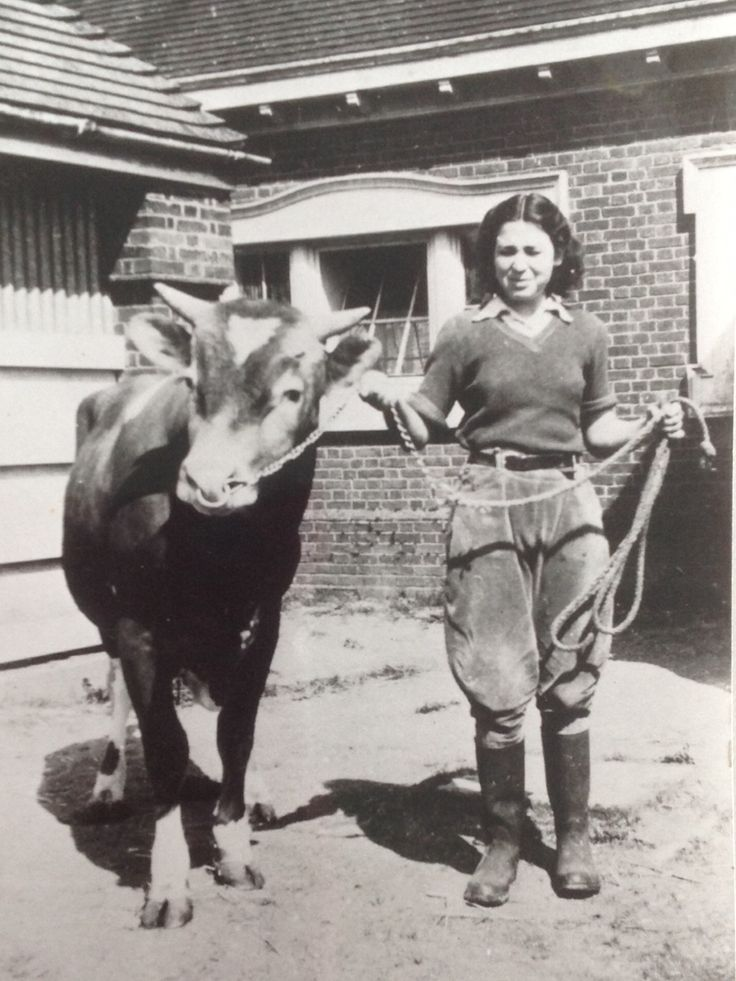 My Mum in the Land Army in Winchester, England