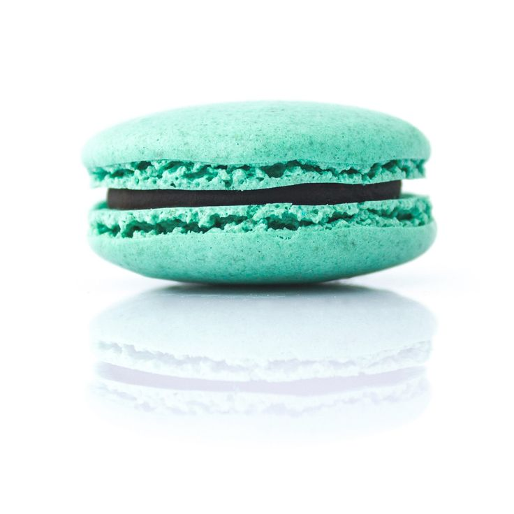 """Chocolate and mint"" macaron (filling made from 100% pure peppermint oil and dark chocolate ganache.)"