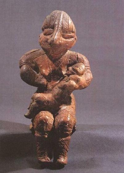 Estatuilla de la diosa madre de la cultura Vinca; del VI al V milenio A.C.                                                                                                                                                                                 More