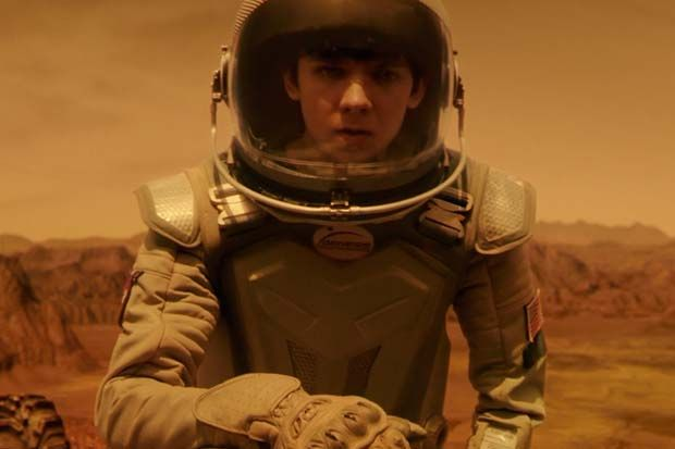 'The Space Between Us' - First Human Born on Mars Comes To Earth | Trailer