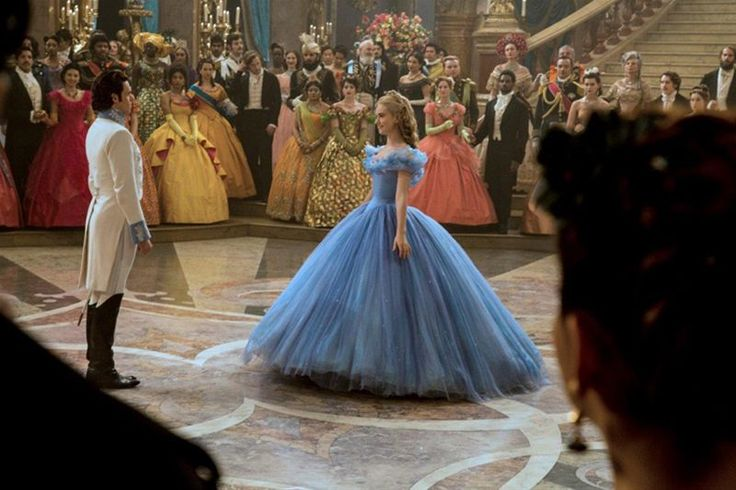 Quem já foi assistir Cinderela? Então vem ver o post de hoje e aproveita e me conta o que você achou do filme :D http://dicaetal.com.br/2015/04/07/filme-cinderela/