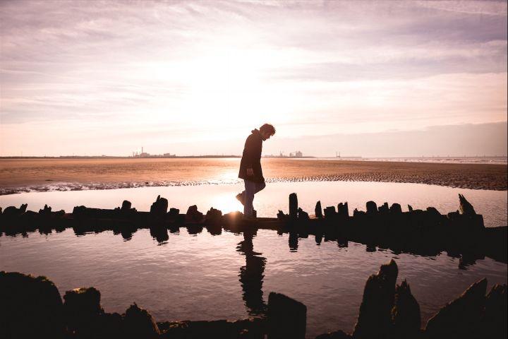 Participez à la prochaine édition du Festival Photo La Gacilly ! Retrouvez toutes les infos sur le site de #fisheyelemag [Photo: © Quentin Bruno] #photo #photographie #photography #festivalphoto #lagacilly #festivalphotolagacilly #appelàcandidature #callforapplications #appelàtalents #callfortalents #sunset #sea #landscape #beauty #nature
