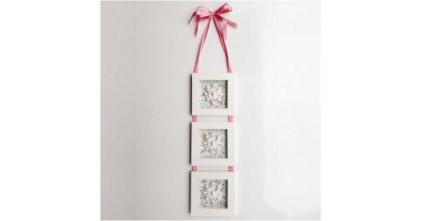 O Conjunto 3 Quadros - Floral - Tommy Design vai ficar ótimo decorando sua casa, transmitindo muito elegância e delicadeza. Aposte nos pequenos detalhes que encantam o seu lar. Trazer boas doses de beleza e personalidade para ambientes é uma ótima ideia para deixar seu ambiente mais convidativo e