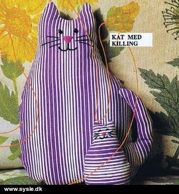 Free cat sewing pattern PDF (in Danish) Katze Stofftier Deko Spielzeug Baby Geschenk