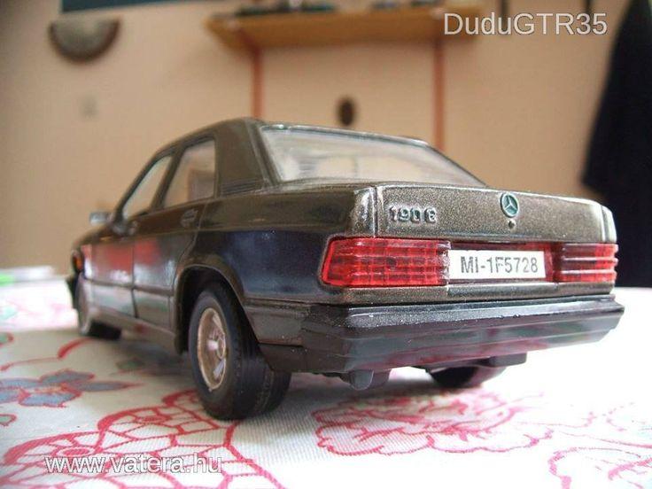 Eladó 1/24 Bburago Mercedes-Benz 190 E 1Ft NMÁ - 2105 Ft - Nézd meg Te is Vaterán - Autó, busz - http://www.vatera.hu/item/view/?cod=1928909843