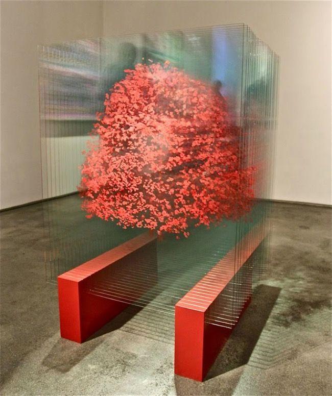 Peinture 3D sur Verre aux Effets Holographiques Surprenants | Glass artwork, Glass art sculpture, Glass art