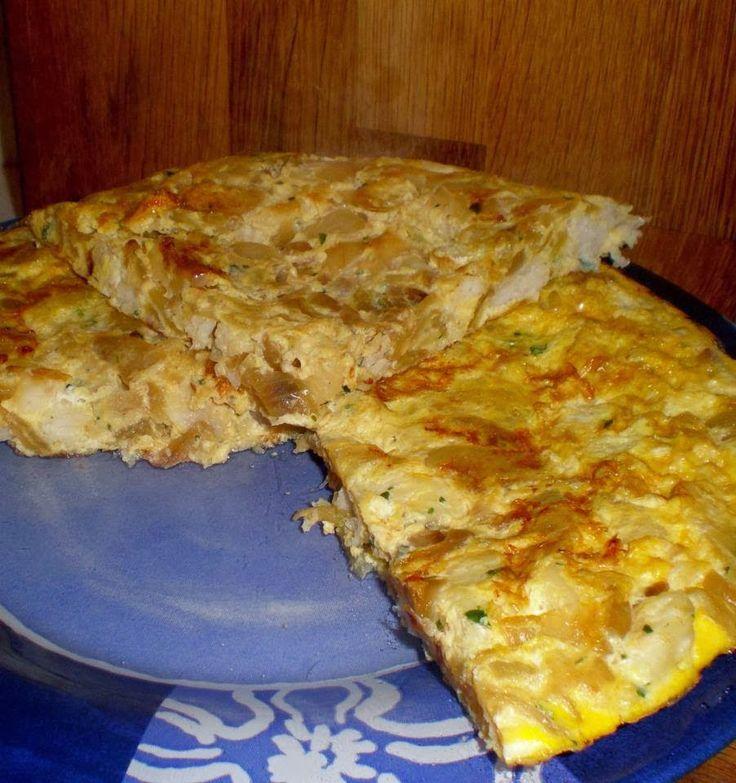 Tortilla de cebolla y merluza