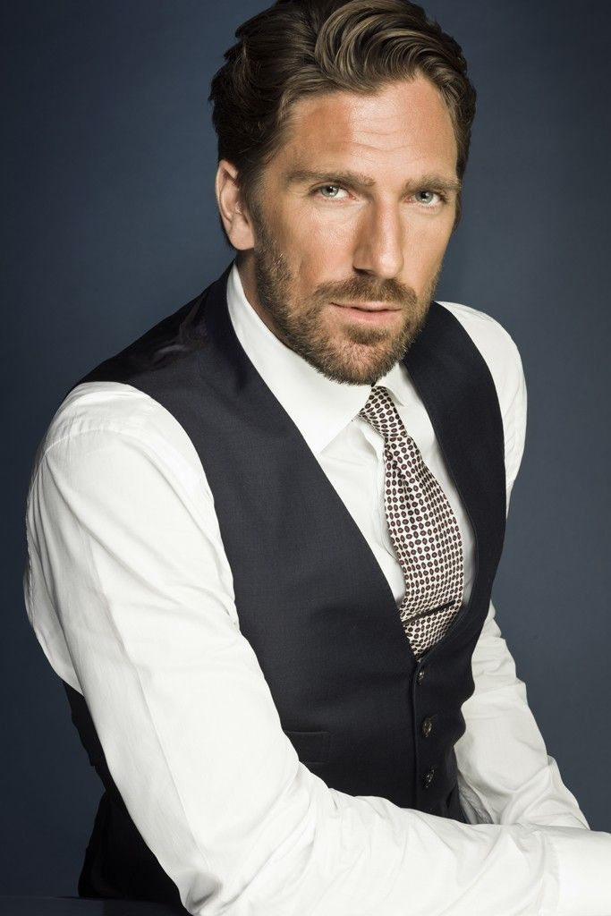 Henrik Lundqvist..I've met him and had him sign things for me..god he is incredibly suave, sexy, funny, NY goalie..and did I say, hot? hot hot hot.