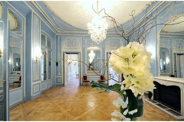 Prestigious mansion