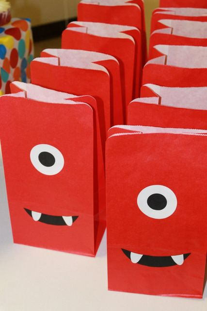 Gabba Gabba Goody Bags {or monster goodie bags for daxy's party!}