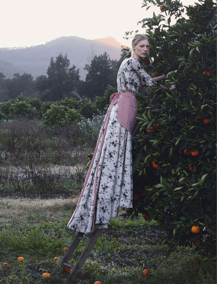 visual optimism; fashion editorials, shows, campaigns & more!: pick of the crop: julia nobis by stephan ward for vogue australia october 201...