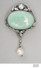 86/1002 Brooch, silver/ pearl / amazonite, Dorothy Wager, [Sydney, New South Wales], 1969 - Powerhouse Museum Collection