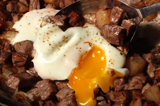 Steak and Eggs Hash (use sweet potato to make primal/paleo ...