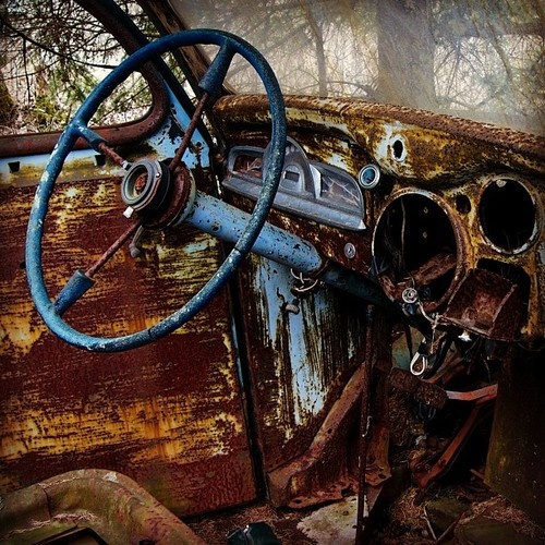 Old rusted car near Springbrook, ON