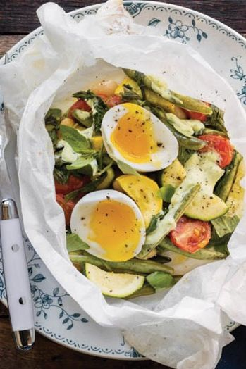 19 Easy Meals You Can Make in Parchment Paper via @PureWow