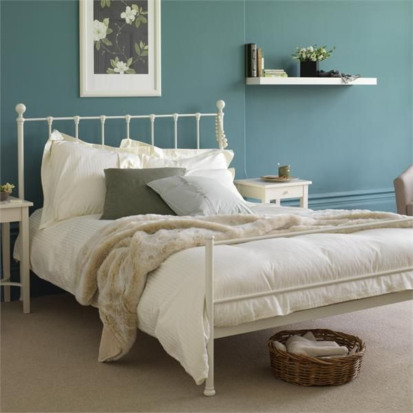Ridley Bed, traditional white iron bed  http://www.featherandblack.com/beds/iron-beds/riley-bed