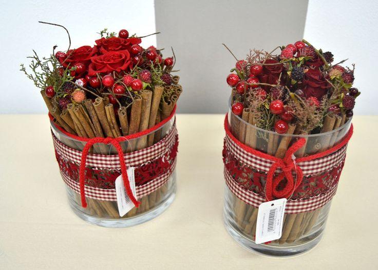 Composizioni natalizie cilindro red rose stabilizzate for Composizioni natalizie in vasi di vetro