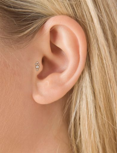 Four Diamond Trinity Threaded Stud (Tragus) - C4DTRD_T|ROSE GOLD|6.5MM Image #model