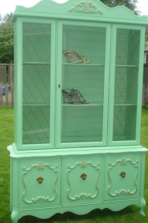 green hutch I like this color? Would like to do one bright like this but are people as bold as I hope them to be? :)