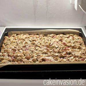 Rhabarber-Blechkuchen (vegan, laktosefrei)
